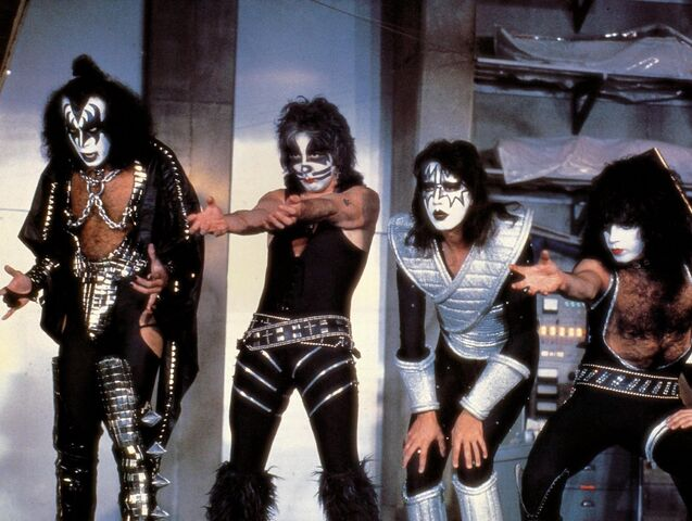File:KISS uses the Force.jpg