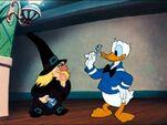 Donald Duck et Hazel Donald et la Sorcière