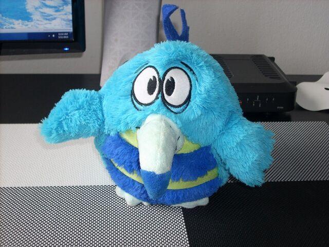 File:KooKoo-birds-RETKO-i-POVOLJNO slika O 38438209.jpg