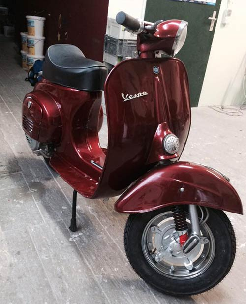 Vespa-v50-Lackierung-Candy-Deep-Red