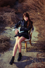 Dreamcatcher Siyeon Fall Asleep In The Mirror promo photo 2