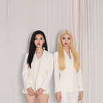 LOONA JinSoul Choerry promo photo 2