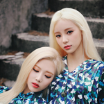 LOONA JinSoul Kim Lip promo photo 2