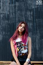 EXID Junghwa Hot Pink photo