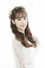 April Naeun Snowman promotional photo