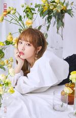 IZONE Choi Ye Na COLORIZ official photo 3
