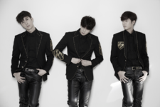 Double S 301 Eternal Five group photo