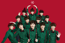 EXO Miracles in December group photo