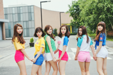 GFriend LOL promotional photo