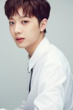 Wanna One Lai Kuan Lin debut profile photo