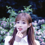 LOONA yyxy Chuu Beauty & The Beat promo photo
