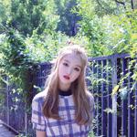 LOONA yyxy Go Won Beauty & The Beat promo photo
