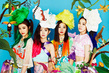 Red Velvet Happiness group photo 3