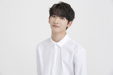 RAINZ Hong Eun Ki reveal profile photo