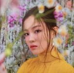 Lee Hi 24℃ promotional photo 6