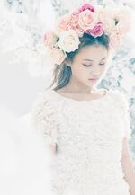 Lee Hi Rose promotional photo