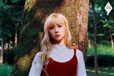 Dreamcatcher Yoohyeon debut concept photo day ver 1