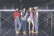 EXID Lady promotional photo 1