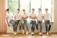 Shinhwa She Said group photo
