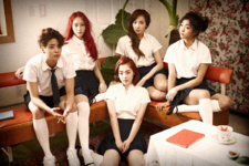 F(x) Pink Tape group photo