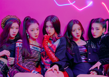 ITZY IT'z Different group promotional photo 2