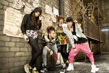 2NE1 Fire promo photo 2