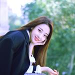 LOONA yyxy Yves Beauty & The Beat promo photo