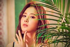 Girls' Generation-Oh!GG Yuri Lil' Touch promo photo (2)