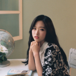 LOONA Olivia Hye reveal photo
