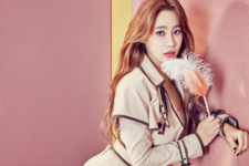 AOA Yuna Angel's Knock photo