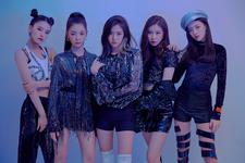 ITZY IT'z Different group promotional photo 4