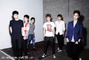 Imagen promocional de EXO-M para 'Mama'