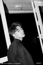 VICTON Do Han Se Ready promo photo 2