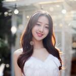 LOONA Yves member reveal photo