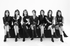 CLC Black Dress group promo photo