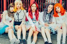 Red Velvet Russian Roulette group promo photo 3