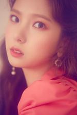 CLC Yujin Free'sm promo photo