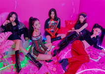 ITZY IT'z Different group promotional photo 1
