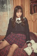 Dreamcatcher Siyeon Nightmare promotional photo (1)