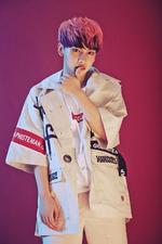 Yongjin Different-ing promo photo