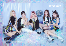 ITZY IT'z Icy group teaser photo (1)