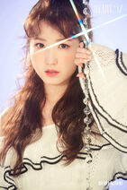IZ-ONE HEART-IZ Hitomi Sapphire ver 1