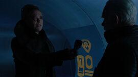 Jax-Ur gives Val-El the detonator