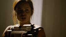 Lyta-Zod saves Jayna-Zod & Dev-Em