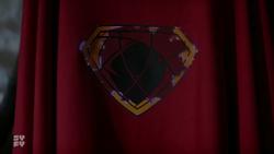 House of El sigil turns into Zod sigil