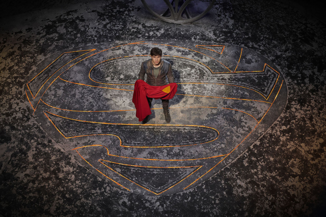 File:Seg-El with Superman's cape promo image 2.png