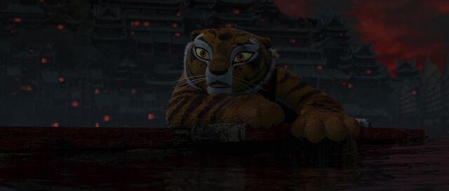 File:TigressWatching.jpg