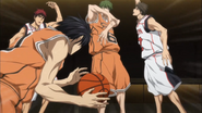 Midorima passes the ball