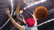 Kagami dunk on Akashi