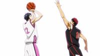 Kagami goes to block Himuro